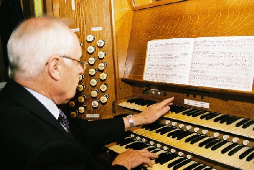 Naunton at the Organ